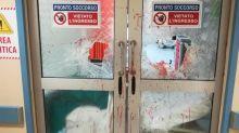 Roma, devastato il pronto soccorso dell'ospedale San Camillo