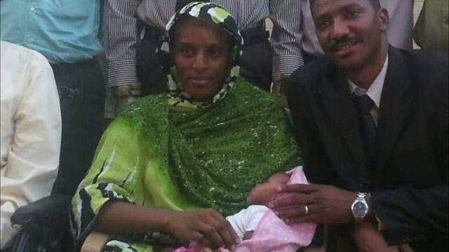 Sudanese woman returns to U.S. after being sentenced to death and flogging