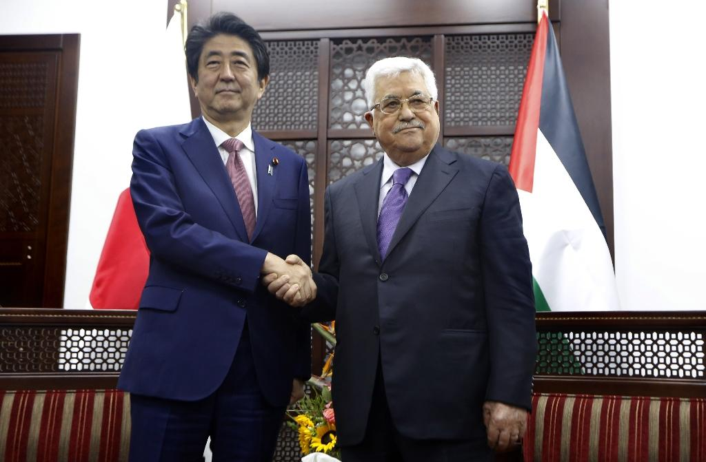 Japanese Prime Minister Shinzo Abe meets with Palestinian president Mahmud Abbas in the West Bank city of Ramallah on May 1, 2018