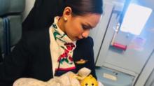 Air Hostess Breastfeeds Passenger's Crying Baby After Mum Runs Out of Formula Milk