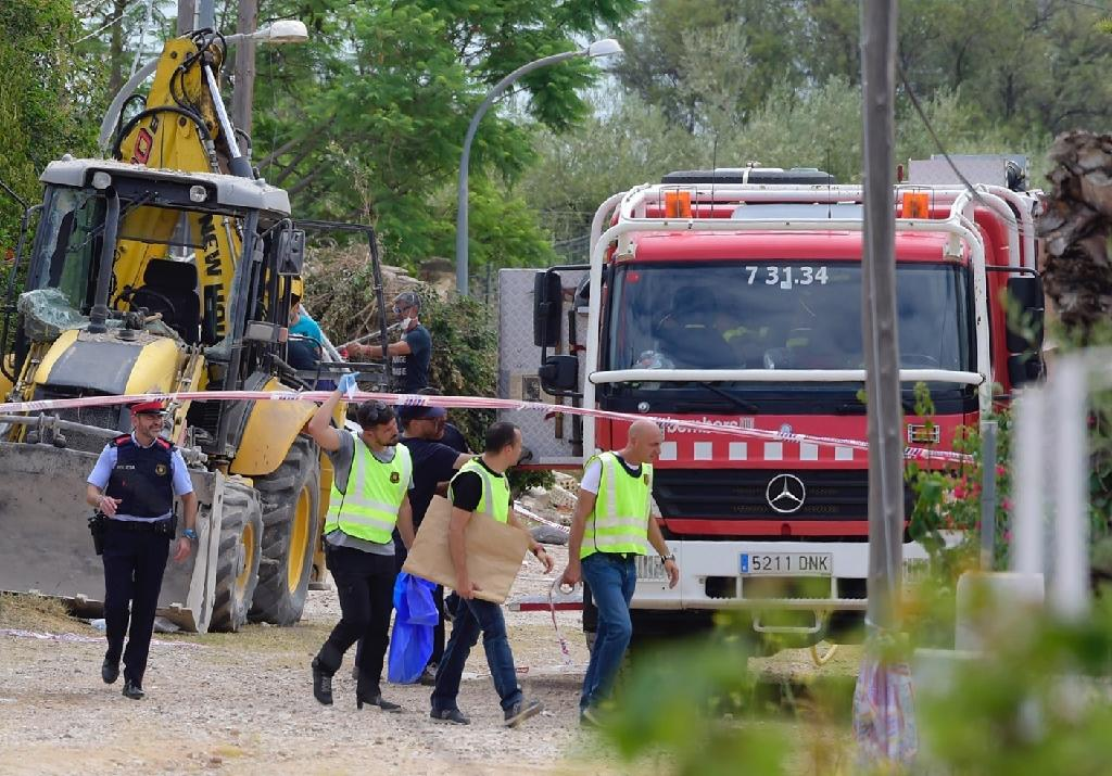 Spanish investigators uncovered ingredients of the explosive TATP at a house in the town of Alcanar, around 200 kilometres (120 miles) south of Barcelona, believed to be the terror cell's bomb-making factory