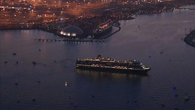 Queen Mary gets visit from sister ship Queen Elizabeth
