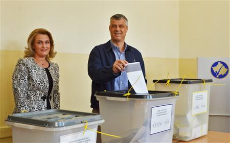 Kosovo Prime Minister Hashim Thaci votes in the capital Pristina , November 3, 2013. REUTERS/Hazir Reka
