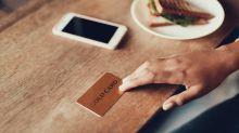 Descubre una deuda en su cuenta de cien mil millones al intentar pagar un sándwich