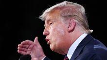 Trump evita condenar a los supremacistas blancos durante el debate electoral