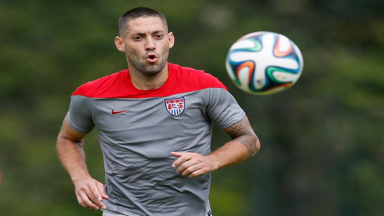 Dempsey soccer player wife picture