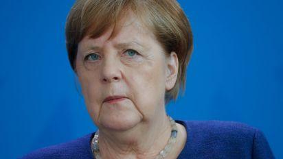 Angela Merkel verteidigt Einschränkungen von Grundrechten