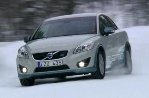 Volvo's C30 Electric freezes north of the Arctic Circle, chases reindeer and loses half its range (video)