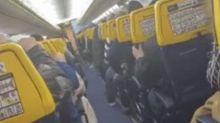 Turbolenza su volo per Bruxelles: urla, preghiere e pianti tra i passeggeri