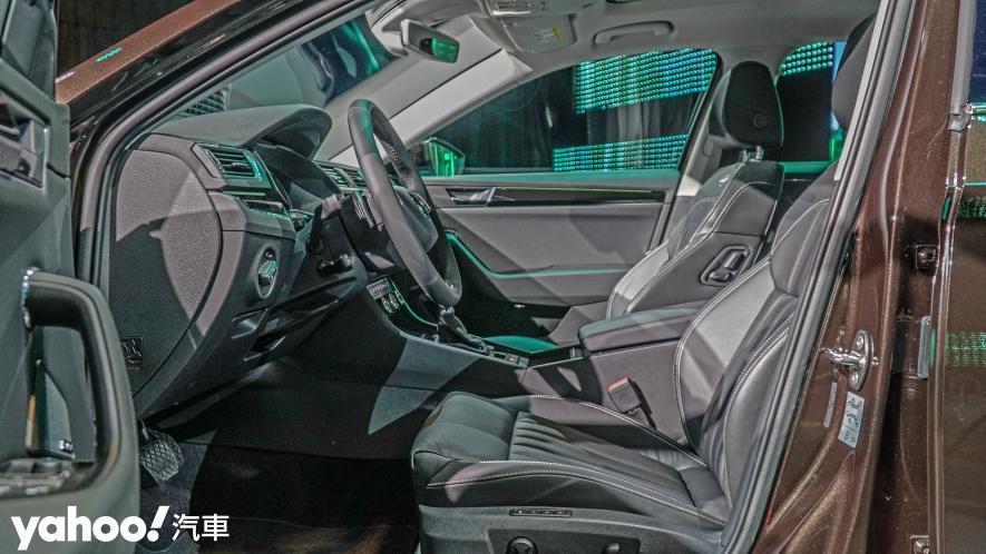 小改款也能脫胎換骨!超級房車2021 Škoda Superb Limo & Combi車型聯袂登場! - 9