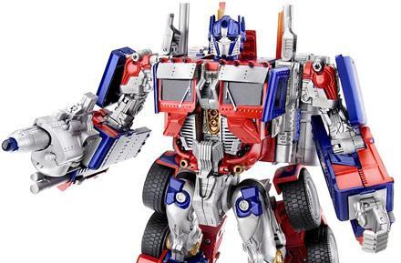 Transformers Movie toys transform green paper into silver plastic