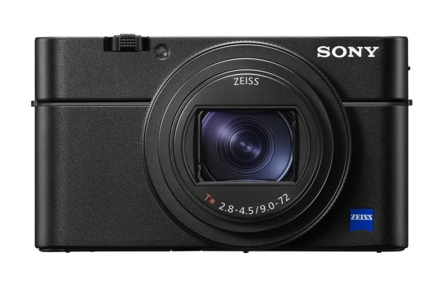 Sony's RX100 VI compact hides a ridiculous zoom lens