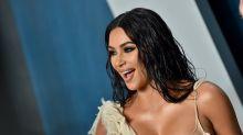 Schlangenfrau mit drei Händen: Kim Kardashians Photoshop-Fail