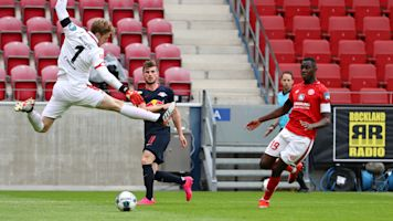RB Leipzig still in business with Mainz thumping