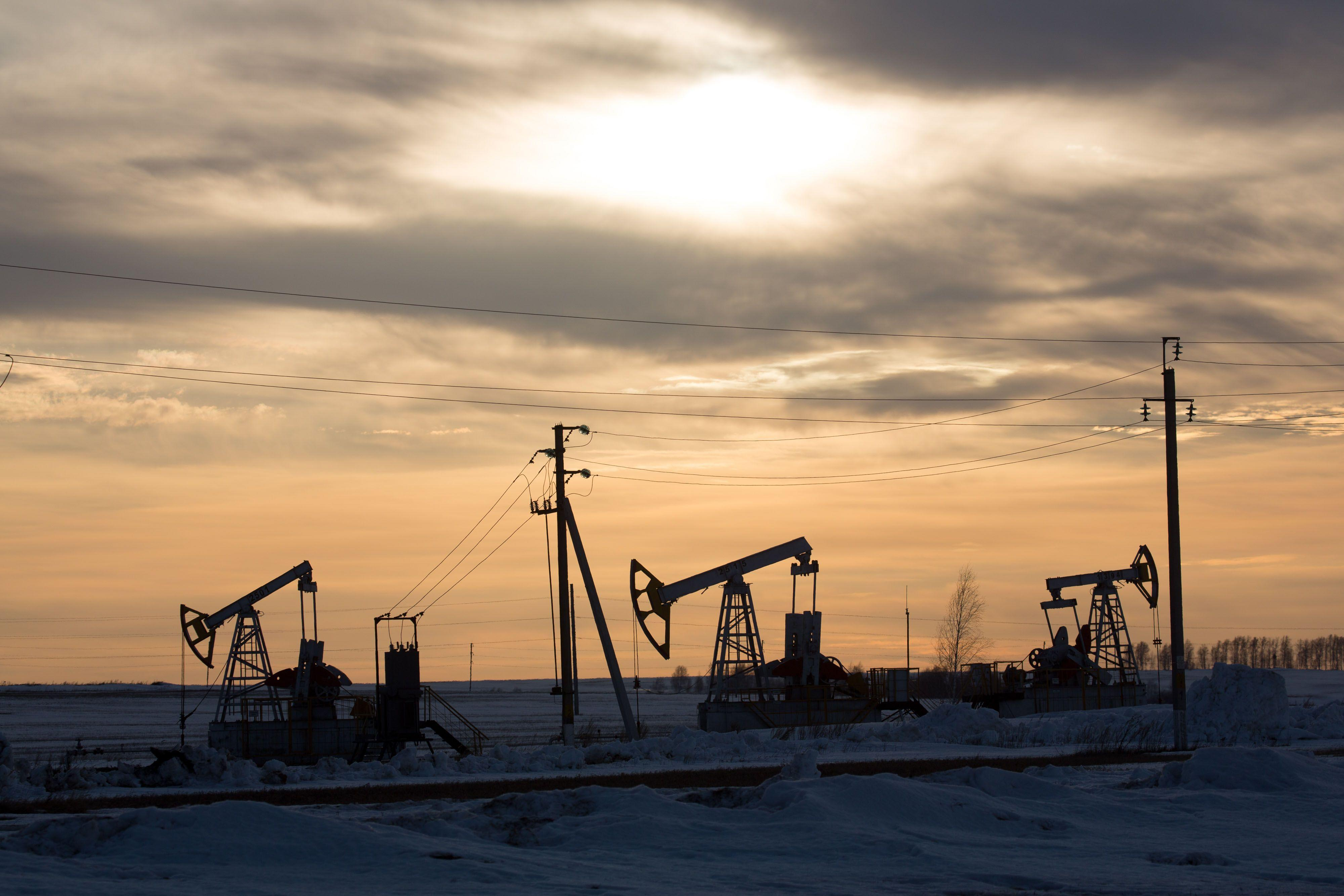 High Noon Talks to End Global Oil-Price War