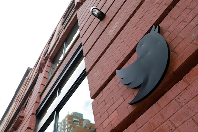 A logo is seen on the New York Twitter offices after they announced they will close their re-opened offices effective immediately in response to updated CDC guidelines during the outbreak of the coronavirus disease (COVID-19) in Manhattan, New York City, U.S., July 29, 2021. REUTERS/Andrew Kelly