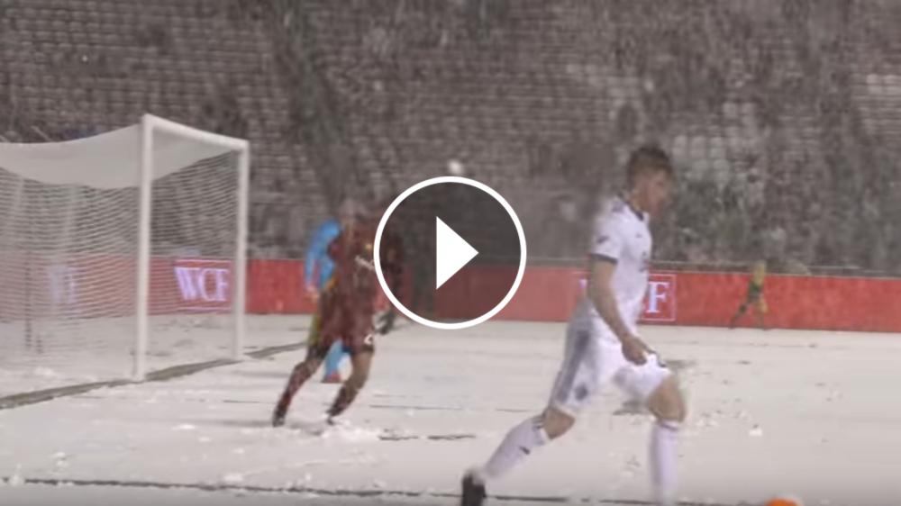 VIDEO: Silva responde a una gambeta con nieve