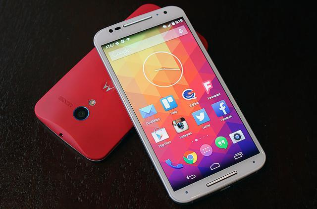 Motorola opens up Verizon's Moto X to custom software