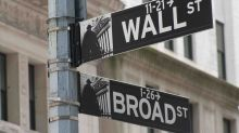 Wall Street: Nasdaq e Dow Jones separati in casa, crolla Sysco