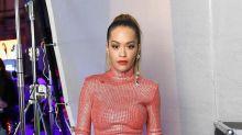 Rita Ora ermüdet MTV EMA-Zuschauer mit endlosem Outfit-Wechsel (inklusive Bademantel-Look)