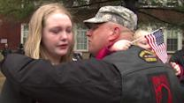 Chicago soldier returns, surprises daughters
