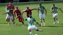 Fekir, principal novedad en el entrenamiento del Betis
