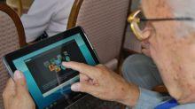 Cuidá a tus queridos viejitos, y acércalos a la tecnología