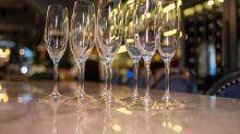 基金經理:標普升穿3,000點 不值得開香檳慶祝