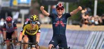 New cycling star Pidcock winning fans, races and rave reviews
