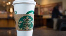 Teenager kauft Frau Starbucks-Kaffee: Ihr Dankeschön begeistert das Netz