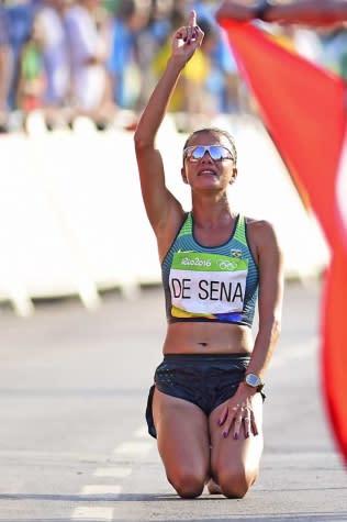 Erica Sena é atração em competição no México