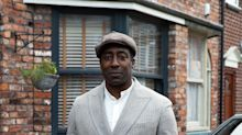 Coronation Street unveils new character Ronnie Bailey
