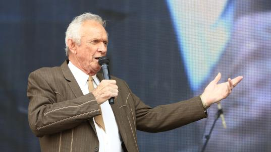 Longtime country singer/songwriter Mel Tillis dies