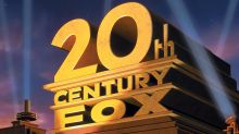 20th Century Fox CinemaCon: Distrib Boss Chris Aronson Dances; 'Snatched' Goldie Hawn & Amy Schumer Banter – Live
