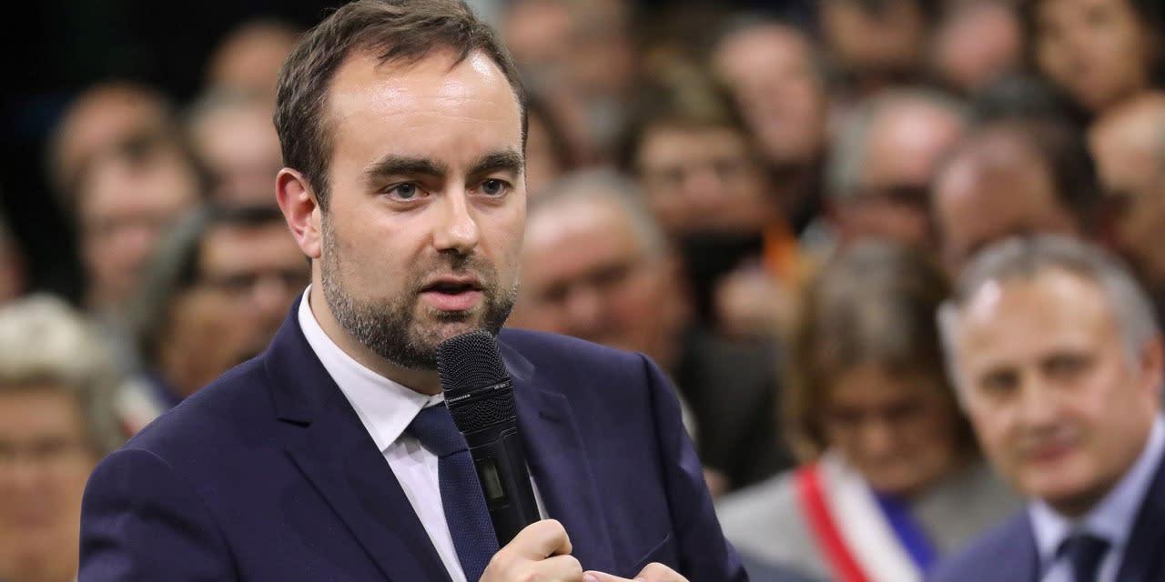 """Soupçons de """"prise illégale d'intérêts"""" : le ministre Sébastien Lecornu interrogé par les enquêteurs"""