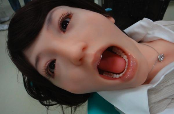 Hanako 2 robot acts like a human dental patient, makes us say 'aah' (video)