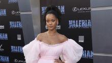 """Rihanna continúa despliegue de alta costura en estreno de """"Valerian"""""""