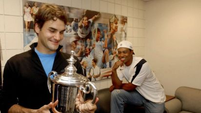 Federer reminds us what Tiger could have been