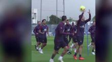 Foot - WTF - PSG - Ander Herrera (PSG) provoque l'hilarité de ses partenaires