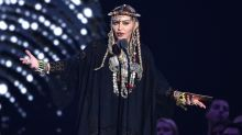Madonna confuses VMAs crowd with self-centered tribute to Aretha Franklin