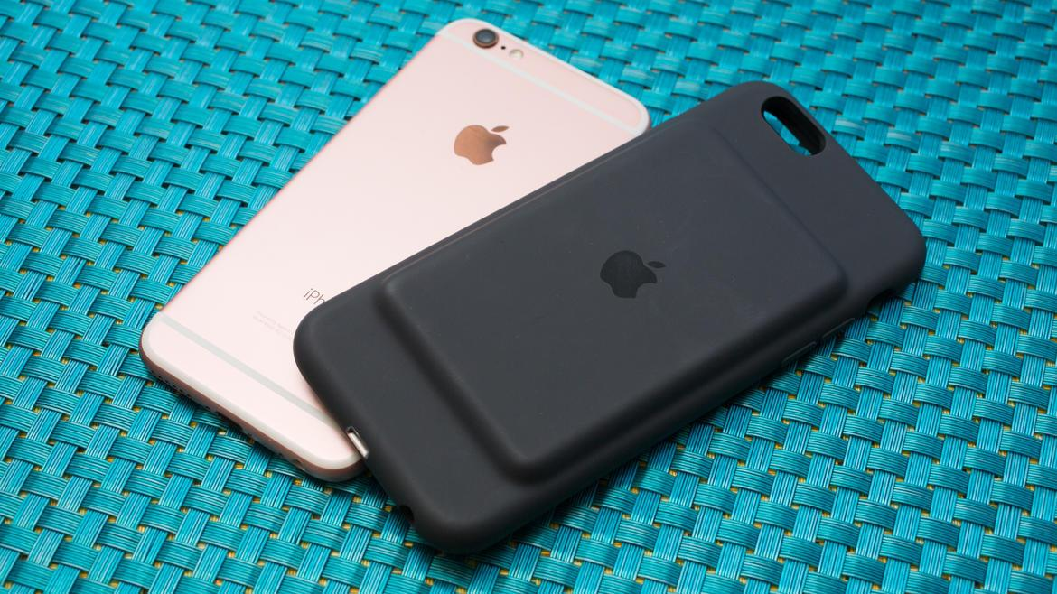 finest selection 9ea63 76556 This $28 iPhone 6/6s battery case holds twice the charge of Apple's ...