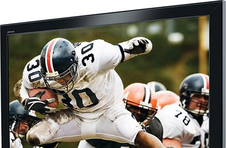 Survey sez: nearly half of America prefers football on HDTV versus in-person