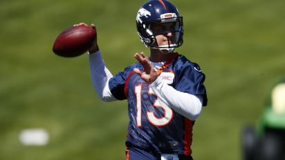 John Elway will give opinion on Broncos QBs, but Vance Joseph will decide