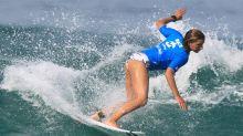 Surfista brasileña Gabeira rompe récord femenino al montar una ola de más de 22 metros en Portugal