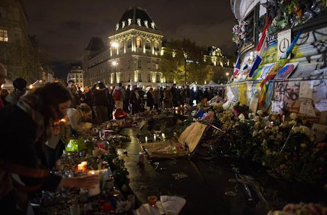 Experience the Paris vigils using the New York Times' VR app