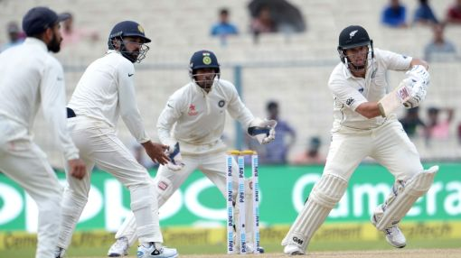 New Zealand slip to 85/4 at tea against India