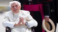 """L'ancien pape Benoît XVI """"extrêmement fragile"""", selon la presse allemande"""