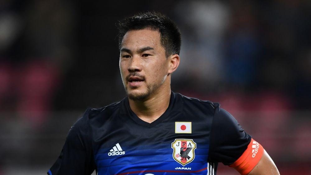 VÍDEO: Okazaki sigue en forma con Japón