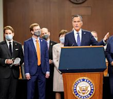 Bipartisan group of lawmakers roll out $908 billion COVID relief plan
