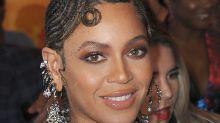 Beyoncé Knowles' £8 lash curling hack just blew our minds